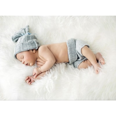 Puzzle Grafika-01619 Konrad Bak: Baby sleeping in Feathers