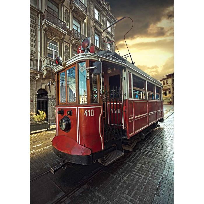Türkei, Istanbul: Historische Straßenbahn in Beyoğlu